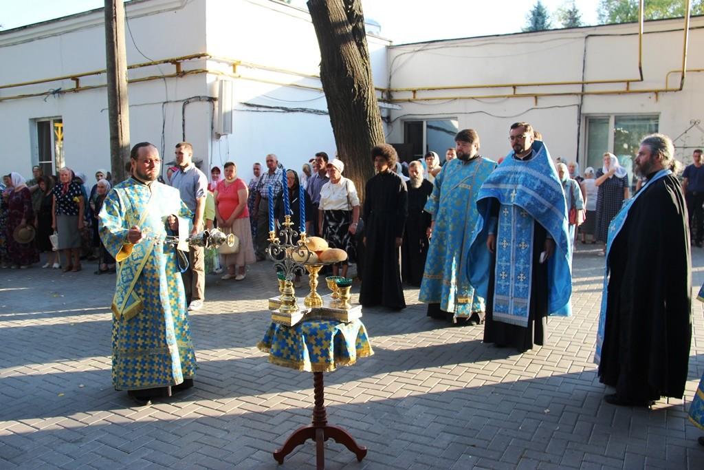 http://monuspen.ru/photos/cece875d76b3aa3d1702c0cb4abd5d7g.JPG