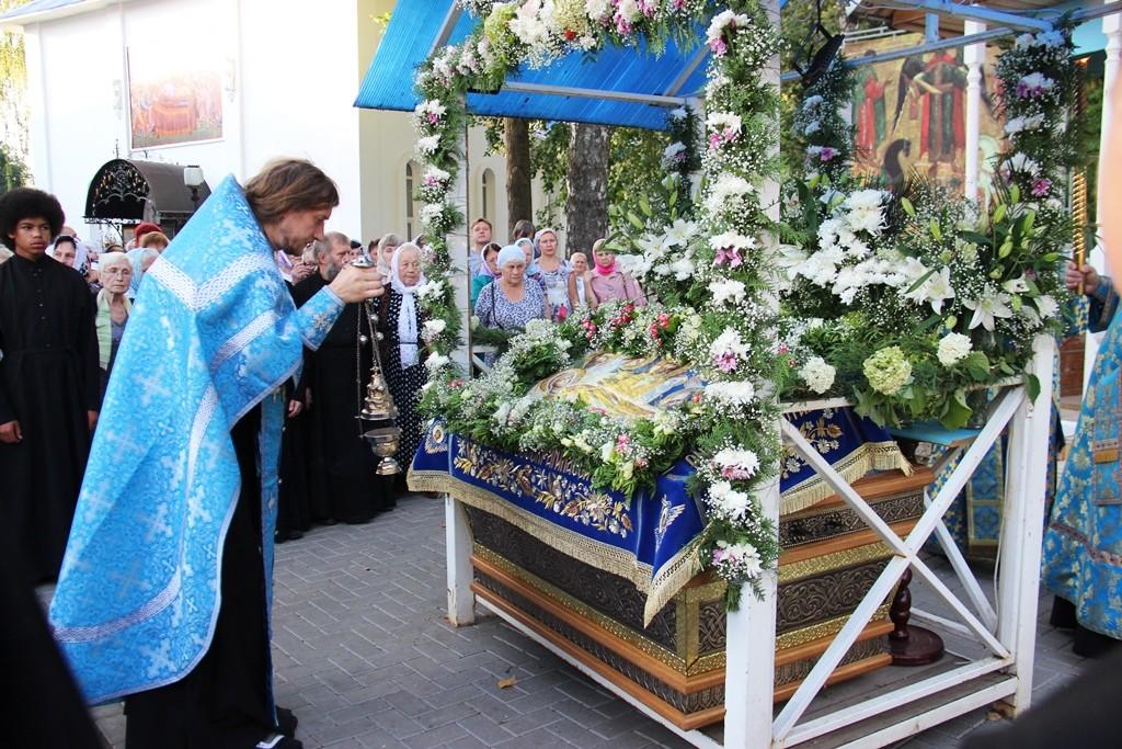http://monuspen.ru/photos/cece875d76b3aa3d1702c0cb4abd5d7m.JPG