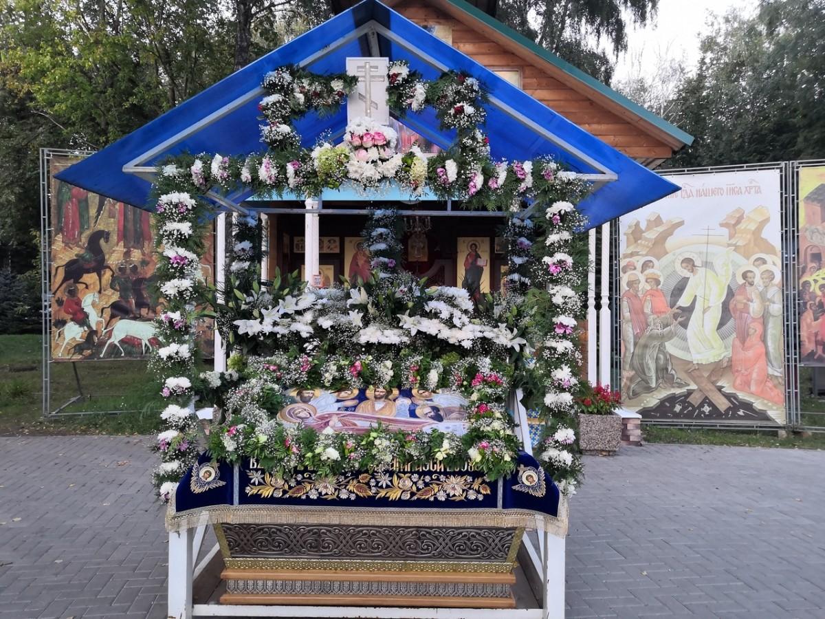 http://monuspen.ru/photos/cece875d76b3aa3d1702c0cb4abd5d8d.jpg
