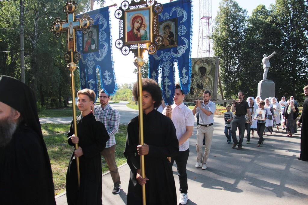 http://monuspen.ru/photos/d099dd55b9c033e0c91d815c248a3g14.JPG