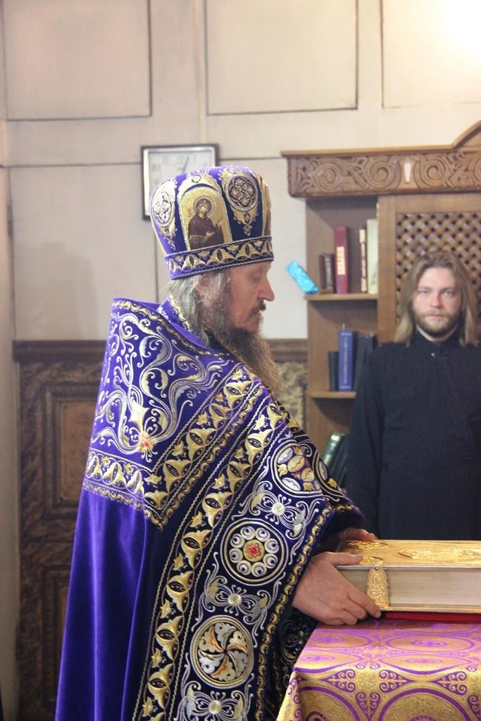 http://monuspen.ru/photos/d3cd295b0586f38f7726b753c07b0b8c.JPG