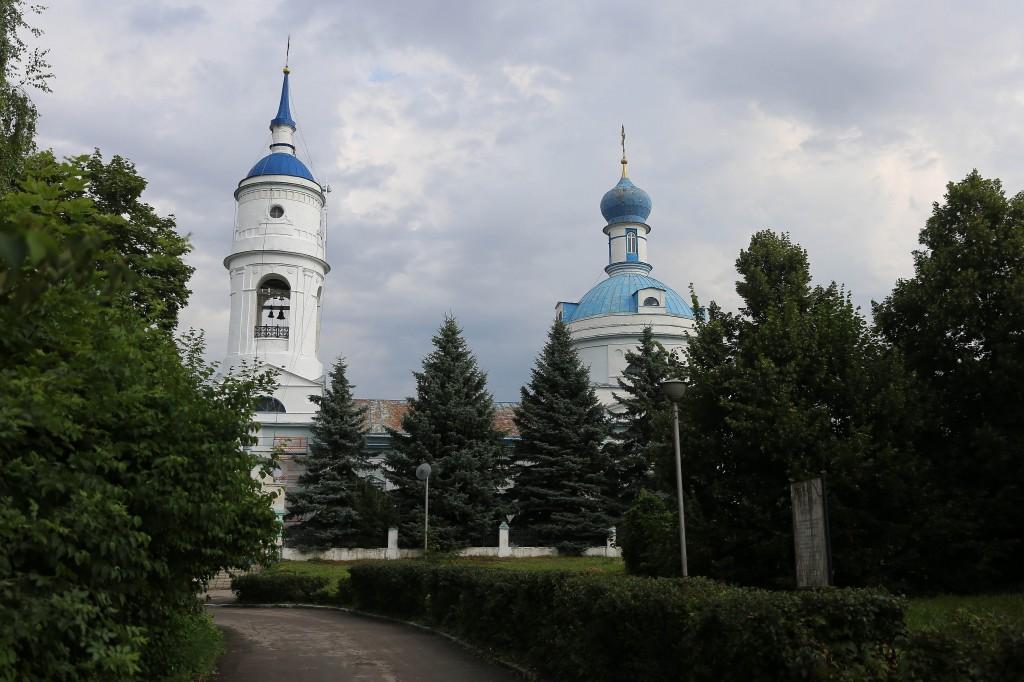 http://monuspen.ru/photos/e1c91bfb0b0ed1fabb13cd3a0ef6270g.jpg