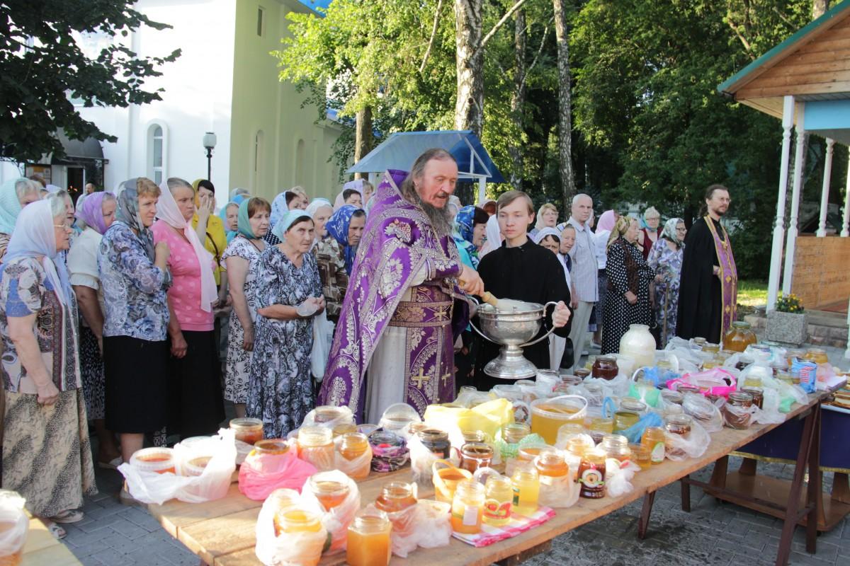 http://monuspen.ru/photos/e1c91bfb0b0ed1fabb13cd3a0ef6272e.JPG
