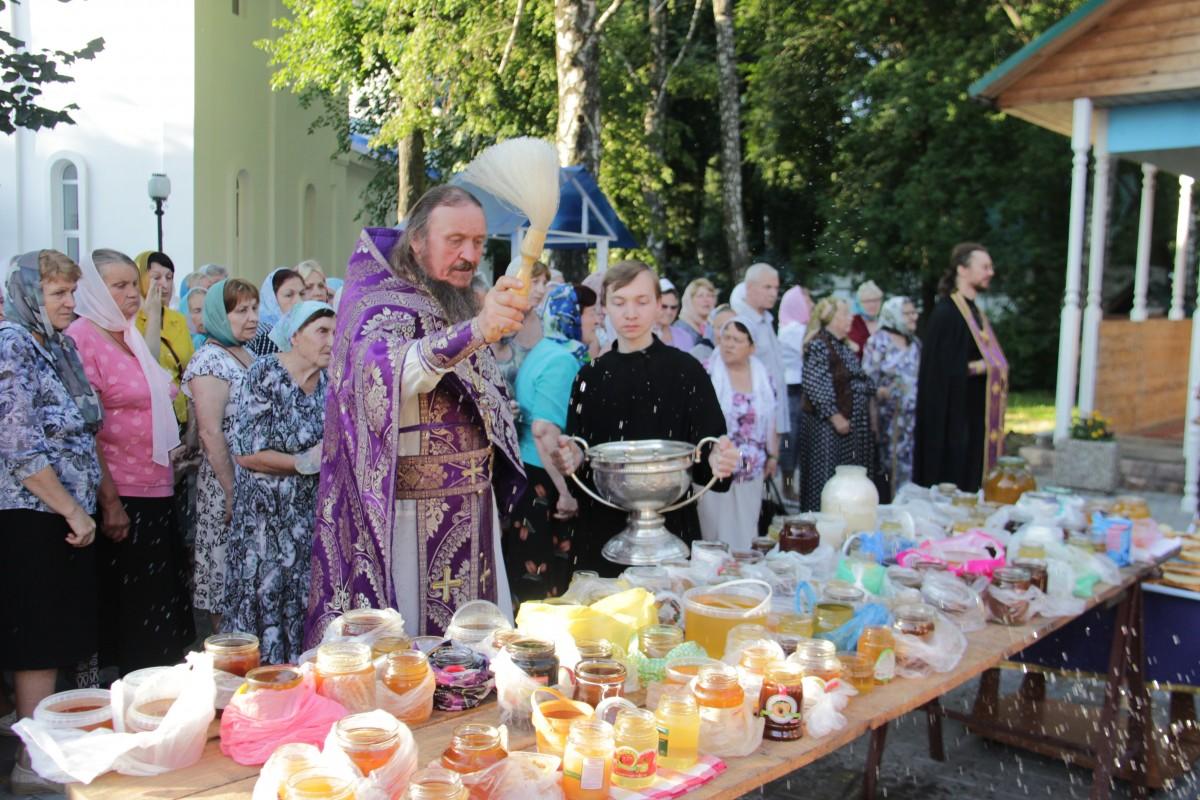 http://monuspen.ru/photos/e1c91bfb0b0ed1fabb13cd3a0ef6272g.JPG
