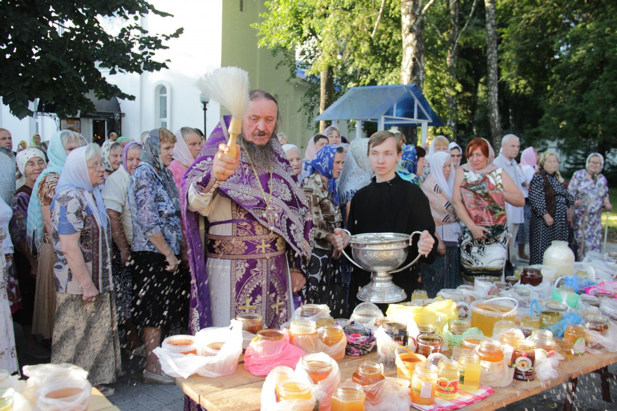 http://monuspen.ru/photos/e1c91bfb0b0ed1fabb13cd3a0ef6272i.JPG