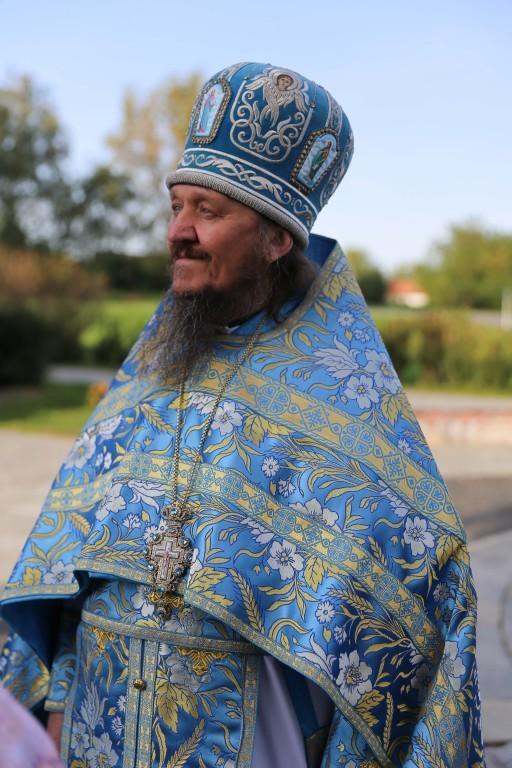 http://monuspen.ru/photos/e3891bf2113563c17feaa74005579bb2.JPG
