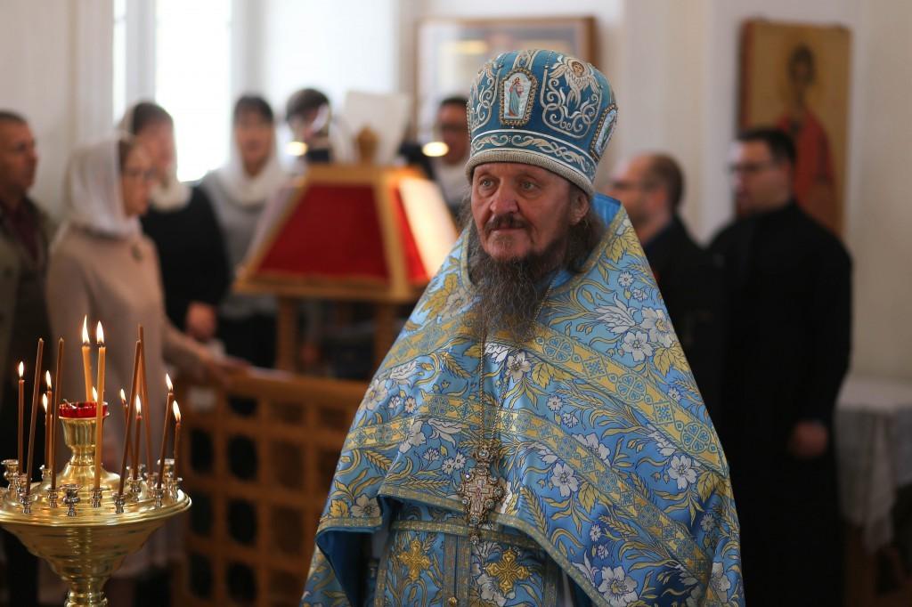 http://monuspen.ru/photos/e3891bf2113563c17feaa74005579bb7.JPG