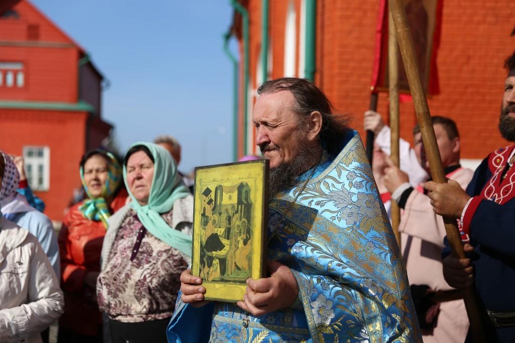 http://monuspen.ru/photos/e3891bf2113563c17feaa74005579bd8.JPG