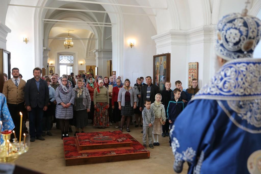 http://monuspen.ru/photos/e3891bf2113563c17feaa74005579be9.JPG