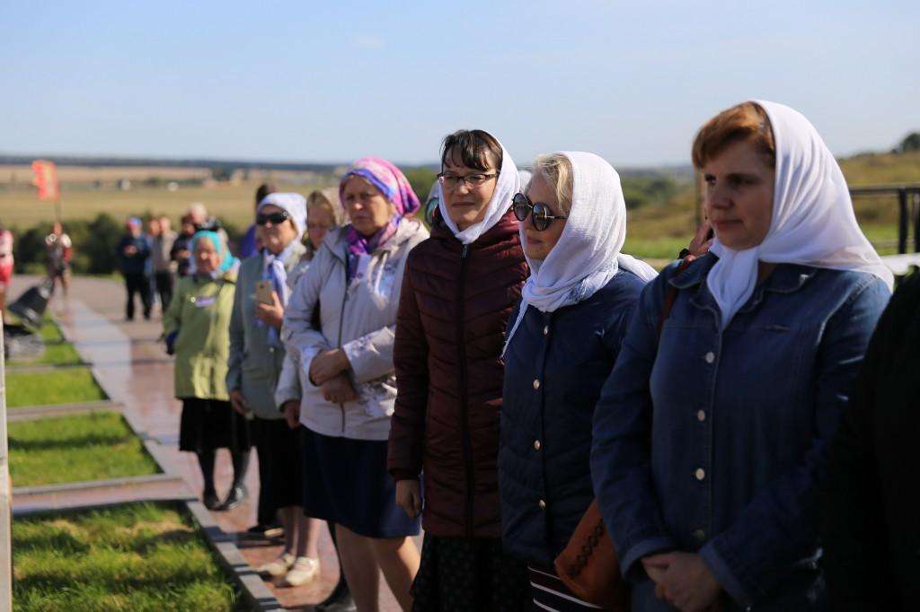 http://monuspen.ru/photos/e3891bf2113563c17feaa74005579bf7.JPG