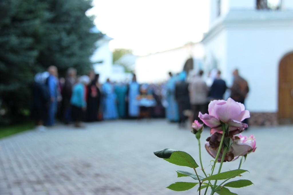 http://monuspen.ru/photos/e3891bf2113563c17feaa74005579bm3.JPG