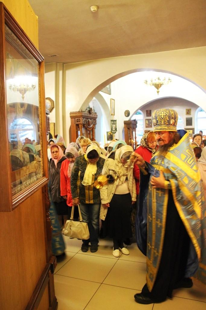 http://monuspen.ru/photos/e3891bf2113563c17feaa74005579bm6.JPG